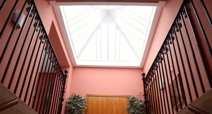 La Casa de la Cultura ja té nou lucernari per a protegir-se de les filtracions de pluja