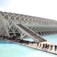 La Ciutat de les Arts i les Ciències proposa tallers, visites guiades, exposicions i projeccions en gran format per a gaudir del pont