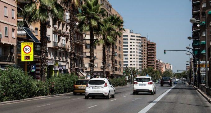 Un accident amb quatre ferits lleus obliga a tallar el trànsit en el túnel de Pérez Galdós