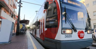 Un tranvía atropella a una mujer en la Línea 4