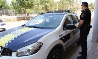 Redueixen a un ancià atrinxerat amb un gran ganivet a València