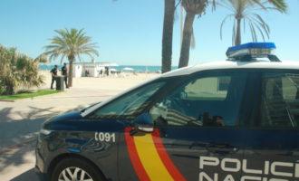 La Policia Nacional intervé en dues naus 300 quilos de marihuana i més de 30000 peces de roba interior falses