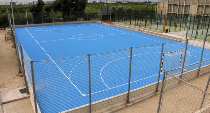 Les escoles de futbol sala i el handbol ja disposen d'una nova pista poliesportiva homologada