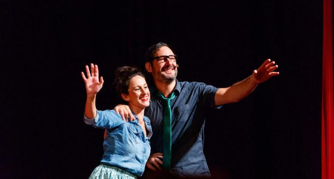 Eugeni Alemany i Maria Juan omplen el teatre del Centre Cultural de Mislata amb el seu nou espectacle