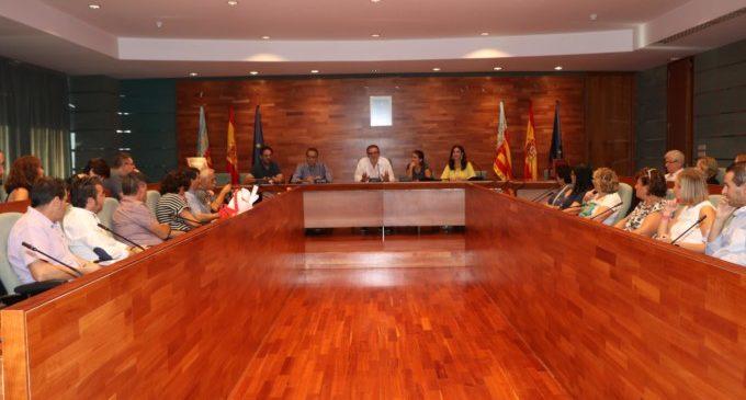 Els col·legis de Torrent es reuneixen per a conéixer les activitats educatives programades per l'Ajuntament