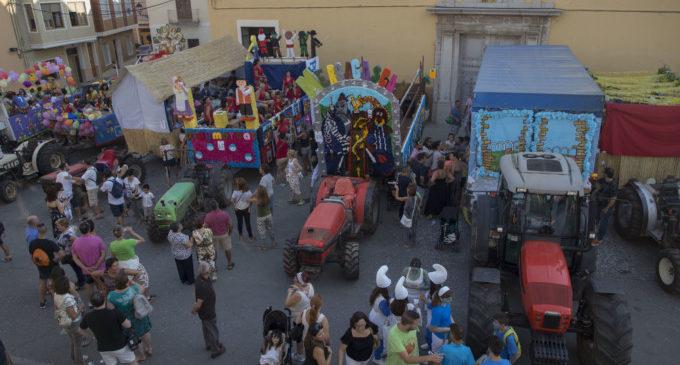 Color i diversió en la Cavalcada de les Festes Majors