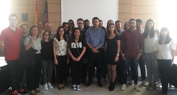 Bienvenida a los jóvenes empleados por el Ayuntamiento de Alfafar