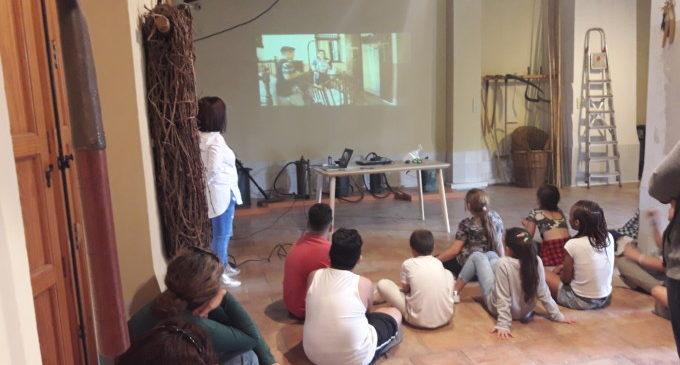 Més d'un centenar d'alumnes de Primària graben la seua primera pel.lícula de por