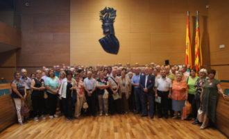 Un centenar de veïns d'Alfara del Patriarca i Aras de los Olmos visiten la Diputació de València