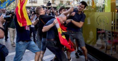 Los ultras imputados del 9 d'Octubre denuncian al joven que agredieron