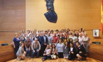 Medio centenar de vecinas y vecinos de Alborache descubren el patrimonio de la Diputació de València