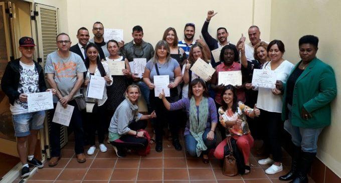 15 persones aconsegueixen treball després dels cursos d'inserció per a persones vulnerables