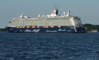 El Port de València rep un nou creuer desviat de Barcelona