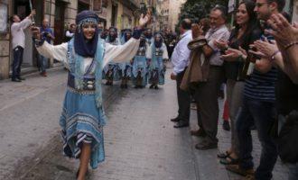 Música, pólvora y muchas sorpresas por las calles de València