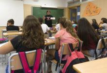 108 alumnes reben 600€ d'ajudes per a accedir a graus formatius d'escassa presència femenina