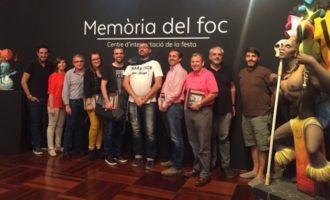 Lletres falleres se reúne en Torrent y visita Memòria del Foc
