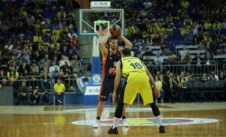 El Valencia Basket no logró romper las cadenas a las que le sometió el Fenerbahce (79-66)