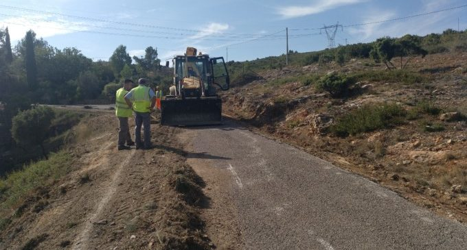 La Diputació inverteix 600.000 euros en la carretera entre Buñol i el Collado Umán que portava anys abandonada