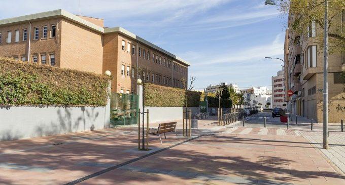 Mislata reurbanitza l'entrada del col·legi Almassil per a millorar la seguretat dels escolars