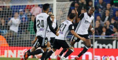Sin desplegar un gran juego, el Valencia logra sumar tres puntos