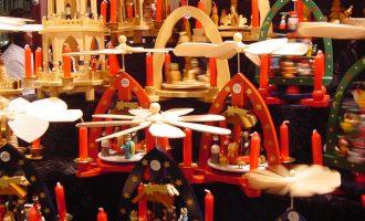 Fira d'Artesania de Nadal en la Plaça de la Reina de València