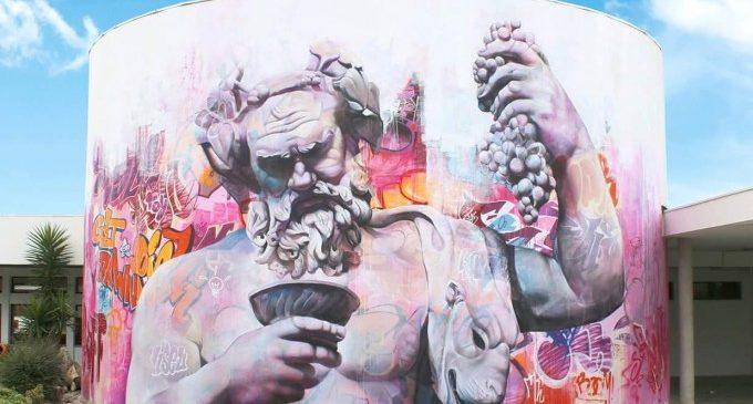Mural d'art urbà en la Ciutat de l'Artista Faller