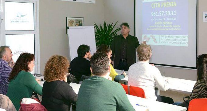 L'ADL comarcal forma a l'alumnat de les Escoles per a Adults de l'Horta Sud en emprendedurismo i autoocupació