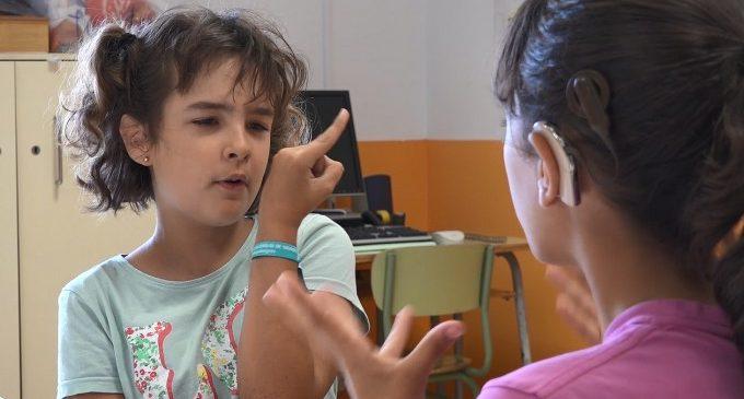 La Diputació treballa per a implantar de forma progressiva la llengua de signes en el Col·legi Luis Fortich