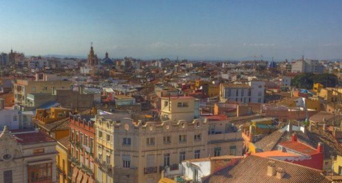 València incorpora 150 nuevos contenedores de ropa