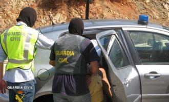 Detingut per l'assassinat d'un home en Llíria