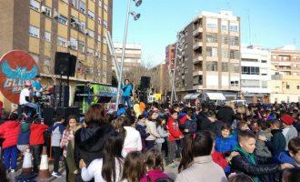 Més de 1.300 xiquets i xiquetes canten, ballen i demanen desitjos per Nadal a Xirivella