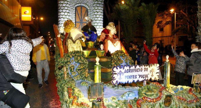 La Gran Cavalcada dels Reis d'Orient porta la màgia a Puçol el divendres 5 de gener