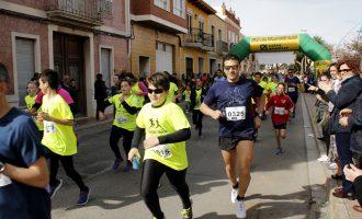 Una volta a peu per Puçol a favor de la investigació i la lluita contra el càncer