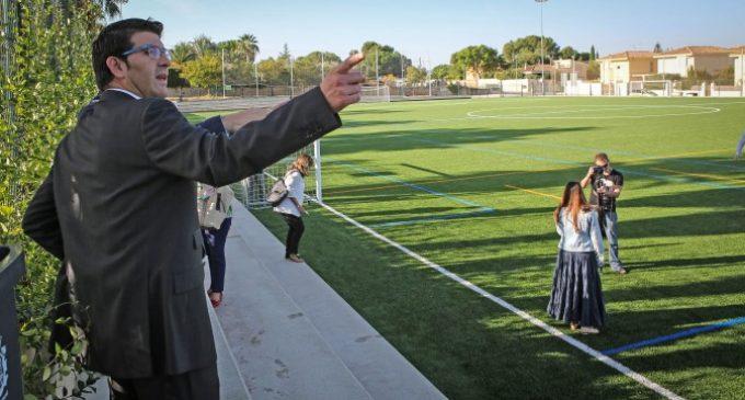Benaguasil i Bétera milloren els seus camps de futbol i Riba-Roja estrena autobús amb ajuda de la Diputació