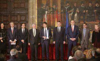 Puig lliura el Premi Broseta a Societat Civil Catalana sense Compromís ni Podemos
