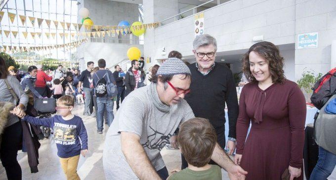 El Palau de la Música obri les seues portes a persones refugiades per a gaudir de 'Feretes i Cançonetes'