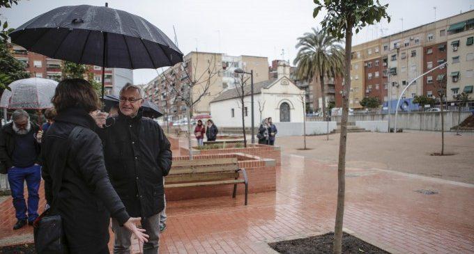 Orriols gaudeix ja d'una plaça enjardinada per als veïns