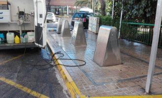 Burjassot intensifica la limpieza de las aceras con agua a presión y productos desinfectantes