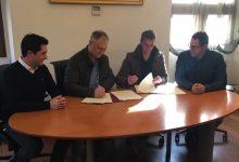 L'Ajuntament de Llíria i la Federació del Comerç de Llíria firmen un acord de col•laboració