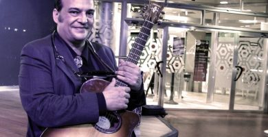 """Javier Urquijo: """"No se trata de cantar sino de transmitir un momento de la historia, de la vida, unos sentimientos..."""""""