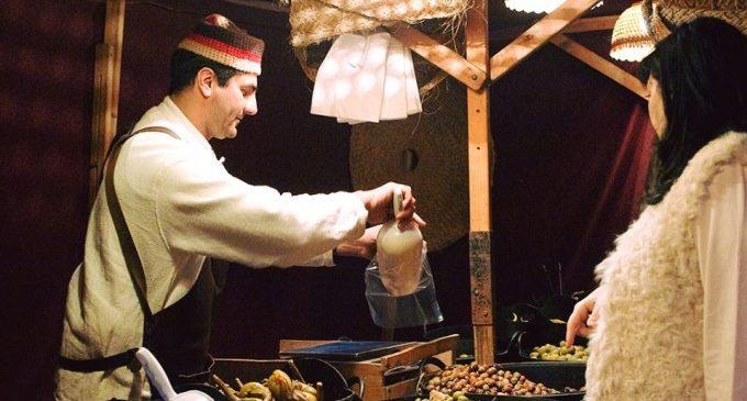 Un mercado tradicional y artesanal en el corazón de Ruzafa