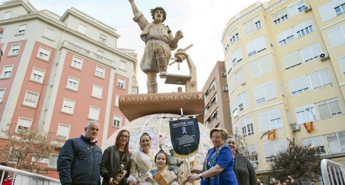 La Falla Palleter – Erudito Orellana de València recolza la investigació contra el càncer de mama amb el suport de la Diputació