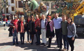 Maria Josep Amigó destaca l'esforç de les Falles d'Alzira en el foment de la igualtat i la sostenibilitat de la festa