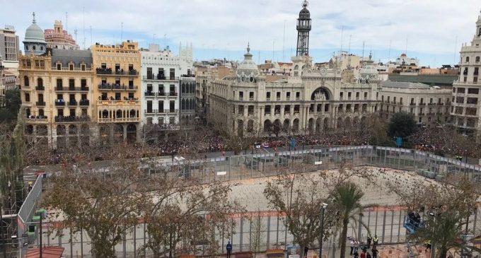 Viu en directe la primera mascletà de Falles la Pirotècnia Zaragozana en València