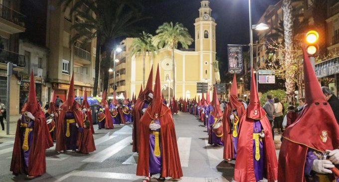 Torrent celebra el Dimarts Sant amb multitud d'actes i processons
