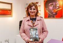 """Carmen Amoraga presenta a Mislata """"Basta con vivir"""", una novel·la sobre la força de la solidaritat entre dones"""