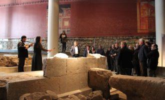 El director d'Estratègia Territorial Turística visita la nova Tourist-Info Llíria