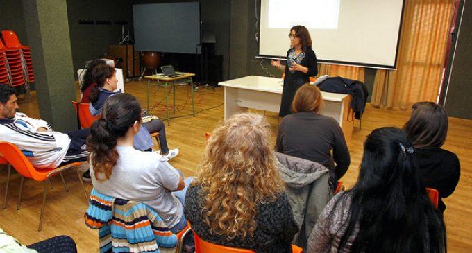 Comencen els tallers per a pares i mares sobre prevenció i desenvolupament personal