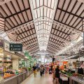 Més prop de l'obertura dels mercats municipals a les vesprades