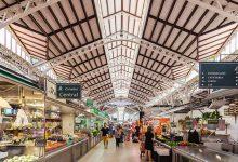 El Mercat Central ja llueix el seu pessebre artesà elaborat pels venedors